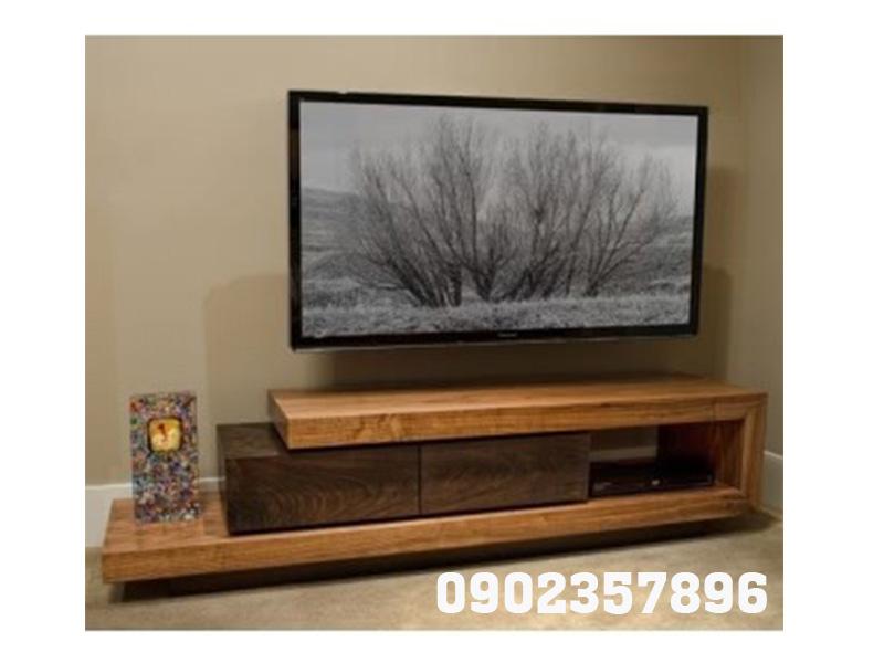 Kệ tivi làm từ gỗ tự nhiên đơn giản rẻ đẹp