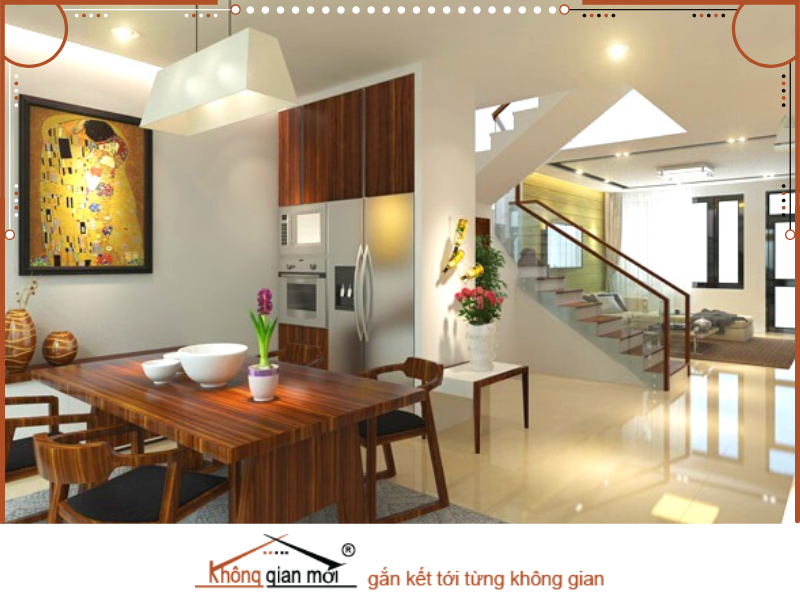 Ngôi nhà được bày trí từ những nội thất cũ của gia đình. Bàn ghế, sofa và rất nhiều các món đồ nội thất được sửa chữa và trang trí lại vô cùng đẹp mắt