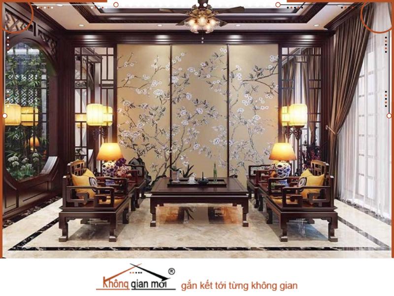 Bức tranh hoa là điểm nhấn cho gian phòng khách này theo phong cách Á Đông thời thượng nhưng vẫn mang đậm văn hóa Việt Nam.